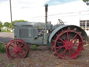 Larsen Tractor Museum